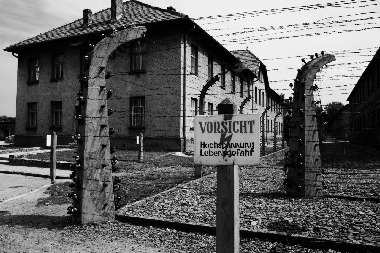 Why should it is worth to choose Auschwitz tour?